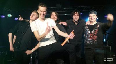 TerraDown wint Metal Battle